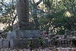 爪髪塔:松尾寺;クリックすると大きな写真になります。