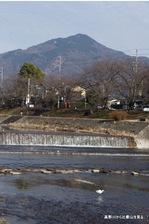 高野橋あたりから比叡山を望む;クリックすると大きな写真になります。