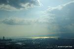 西:大阪港から神戸・淡路島をみる;クリックすると大きな写真になります。