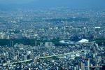 東:大阪ガンバの本拠地長居スタジアムが見える。;クリックすると大きな写真になります。