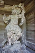 山門の増長天:松尾寺;クリックすると大きな写真になります。