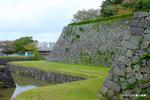 篠山城跡のお堀;クリックすると大きな写真になります。