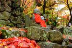 参道脇のお地蔵さん:大威徳寺(岸和田);クリックすると大きな写真になります。