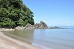 山陰海岸居組の砂浜;クリックすると大きな写真になります