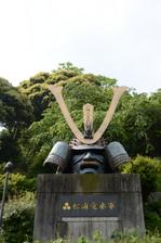 松浦党水軍の兜像:松浦市;クリックすると大きな写真になります
