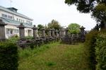 ザビエル記念教会裏の墓地:平戸;クリックすると大きな写真になります