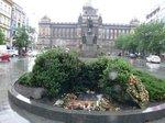 ヴァーツラフ広場;クリックすると大きな写真になります