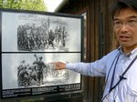 説明する日本人公式ガイドの中谷剛さん;クリックすると大きな写真になります