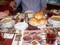 朝食はスープにパン、チャが定番;クリックすると大きな写真になります