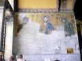 漆喰の下から現れた中央のイエス・キリスト;クリックすると大きな写真になります