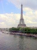 世界遺産・セーヌ川岸とエッフエル塔;クリックすると大きな写真になります。