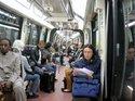 パリの地下鉄車内;クリックすると大きな写真になります。