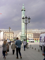 パリ・ヴァンドール広場の記念塔;クリックすると大きな写真になります。