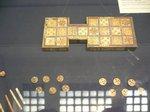 世界最古のゲーム盤;クリックすると大きな写真になります。