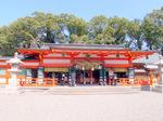 熊野造りの熊野速玉大社:クリックすると大きな写真になります