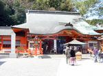 昔は、滝のそばにあったという熊野那智大社:クリックすると大きな写真になります