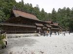 入母屋造り、古色然とした熊野本宮大社:クリックすると大きな写真になります