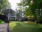 塩沢湖畔の軽井沢高原文庫:クリックすると大きな写真になります