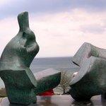 ヘンリー・ムーアと北海;クリックすると大きな写真になります