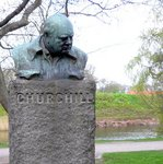 公園のチャーチル像;クリックすると大きな写真になります