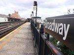 ブロードウエー駅;クリックすると大きな写真になります