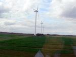 田園地帯の風車;クリックすると大きな写真になります