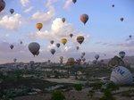 熱気球が上がる②;クリックすると大きな写真になります。