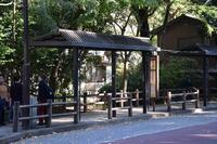 深大寺バス停;クリックすると大きな写真になります。