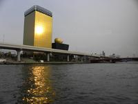 隅田川から日の出桟橋へ;クリックすると大きな写真になります