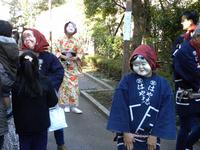 神明社の参道:クリックすると大きな写真になります