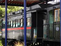 蒸気機関車と客車;クリックすると大きな写真になります